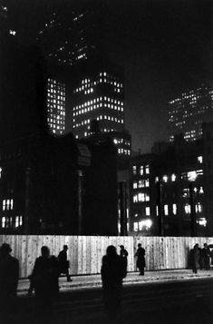Night, at Madison Avenue construction site - New York - 1947 - photographer Louis Faurer.