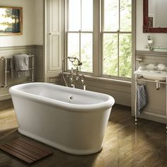 Bathroom trends 2020 – The best new looks for your space Bathroom Shop, Laundry Room Bathroom, Bathroom Trends, Diy Bathroom Decor, Bathroom Ideas, Cheap Bathtubs, Bohemian Interior Design, Rose Cottage, Beautiful Bathrooms