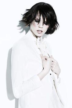 http://www.estetica.it Credits  Hair: New Look  Photo: Jose Manuel Ferrater