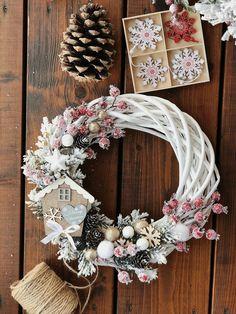 Rose Gold Christmas Decorations, Christmas Baubles, Xmas Decorations, Christmas Crafts, Christmas Tree, Wreath Crafts, Diy Wreath, Wreath Ideas, Grapevine Wreath