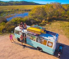 Awesome rooftop deck on top of this diy skoolie bus conversion. I love that this blog has so many tips and ideas for how to layout your school bus build. Tips and tricks to building your kitchen and bathroom layout as well as advice and ideas for living on the road in a camper van! #vanlife Buy A School Bus, School Bus Tiny House, School Buses, Truck Bed Camper, Camper Van, School Bus Conversion, Caravan Conversion, Converted Bus, T1 Bus