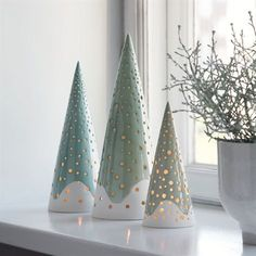 The forest candle holder from Kähler is rooted in Nordic Christmas traditions and gives modern and exclusive Christmas decorations to the design lover. Ceramic Christmas Decorations, Ceramic Christmas Trees, Holiday Decor, Christmas Clay, Christmas Crafts, Christmas Ornaments, Christmas Candles, Xmas, Christmas Holiday