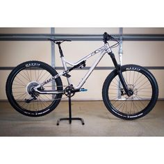 Sexiest AM/enduro bike thread. Don't post your bike. Rules on first page. - Page 4033 - Pinkbike Forum Mountian Bike, First Page, Mtb, Bicycle, Sexy, Bicycles, Bike, Bicycle Kick, Mountain Biking