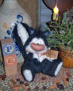 Pattis Ratties Original Primitive Fuzzy Spring Skunk Ornie Doll Pattern 605 | eBay.