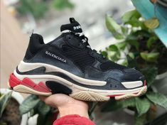 Balenciaga Triple S TRAINER Sneaker SHOES Black Red bb0624fbd