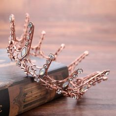 Fashion Baroque Retro Crystal Big Round Crown Rhinestones Tiara Bridal Hair Jewelry Wedding Hair Accessories Headbands For Women Crown Aesthetic, Rose Gold Aesthetic, Princess Aesthetic, Queen Aesthetic, Royal Tiaras, Tiaras And Crowns, Royal Crowns, Vintage Glam Fashion, Queens Wallpaper