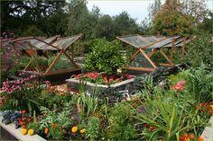 Nice cold frame idea! #greenhouse #cold_frame #garden #potager, GREAT IDEA.