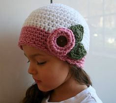 Ravelry: Vintage inspired crochet beanie with flower (37) includes 4 sizes from newborn to adult pattern by Luz Mendoza