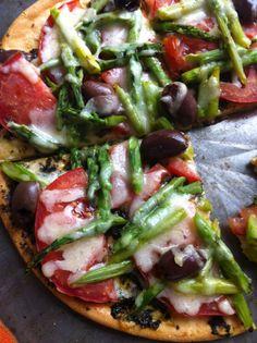 mushroom walnut puree pizza vegan shiitake with walnut purée pizza ...