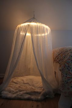 DIY Bedroom Furniture :DIY Canopy Bed : DIY play tent (with lights) // Diy reading nook: get chair and put in selected area in bedroom. put canopy on ceiling directly over chair. line canopy with lights. cover chair in blankets. My New Room, My Room, Dorm Room, Hula Hoop Tent, Kids Bedroom, Bedroom Decor, Bedroom Furniture, Bedroom Ideas, Bed Ideas