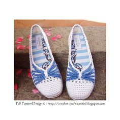 Blue-Bow basic Crochet slippers, with tailored, fabric-covered insoles. Cord soles attached as a final finish, ready for street-wear!