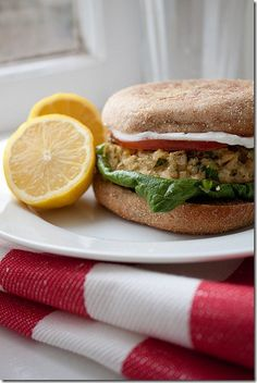 Lemon garlic tuna burgers! 3.5 g fat per burger