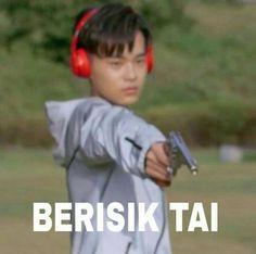 Best memes indonesia wanna one 64 Ideas Memes Funny Faces, Funny Kpop Memes, Funny Texts, New Memes, Dankest Memes, K Meme, Best Friends Funny, Cartoon Jokes, K Idol