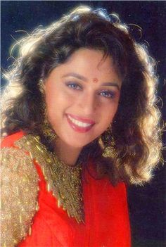 Bollywood Actress Hot Photos, Indian Bollywood Actress, Indian Actresses, Madhuri Dixit Hot, Vintage Bollywood, Most Beautiful Indian Actress, Akshay Kumar, Dark Wallpaper, Bollywood Stars