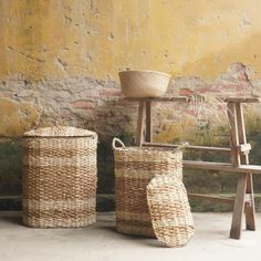 Mekong River Laundry basket set --- Handwoven  Seagrass| Water hyacinth | Corn husk leaf  Vietnam origin Viet Trang Handicraft  --- Being inspired by the beauty of river, our artisans sketch it on their rugs, poufs and baskets with various stripes patterns created by different weaving techniques on mixed natural fibres.