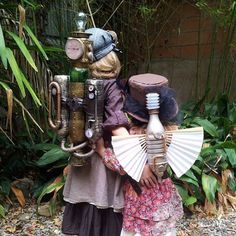 """The previous Pinner said """"the girls showing the steampunk backpacks. i would say about 10 hours all in. Steampunk Boy, Steampunk Fairy, Steampunk Weapons, Steampunk Gadgets, Steampunk Crafts, Steampunk Cosplay, Steampunk Wedding, Victorian Steampunk, Steampunk Clothing"""