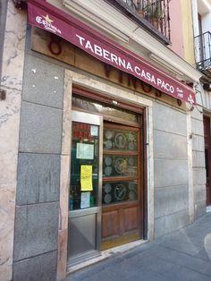 Casa Paco está en la Calle Humilladero, 8.