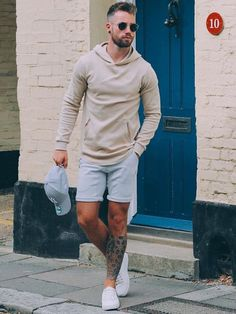 Check out Cool look by Tag us in your pictures for a chance to get featured. For daily fashion Men Looks, Stylish Men, Men Casual, Casual Shorts Outfit, Moda Blog, Moda Instagram, Mens Trends, Mens Style Guide, Beachwear For Women