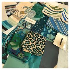 Guest #bedroom number 3!! #HandsartHouse #OldTuxedoPark . . . #interiors #interiordesign #beautyshots #vignette #bolddecor #luxury #luxurylifestyle #layering #ModernTrad #classic #luxuryinteriors #sophisticated #liveableluxury #luxuryhome #luxe #accessories #color #strongfeminine #luxuryliving #decorate #decor #homedecor #meredithherondesign #thatsdarling