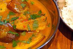 Curry vegano di melanzane e latte di cocco