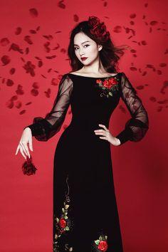 Lan Phương đang trong độ tuổi rực rỡ nhất về nhan sắc, cô ghi dấu ấn trên phim ảnh và làm Đại sứ thiện chí của tổ chức Jica Nhật Bản.