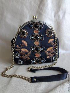Unique Handbags, Popular Handbags, Cheap Handbags, Purses And Handbags, Prada Purses, Womens Motorcycle Fashion, Luxury Purses, Luxury Handbags, Embroidery Bags