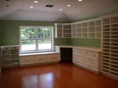 On 2 Peas - awesome room! scrapbook-room-ideas | Scrapbook Organiza...