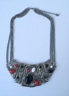Kaufe meinen Artikel bei #Kleiderkreisel http://www.kleiderkreisel.de/accessoires/ketten-and-anhanger/137083935-statement-kette-mit-organisch-geformten-steinen-rot-weiss-schwarz-gold