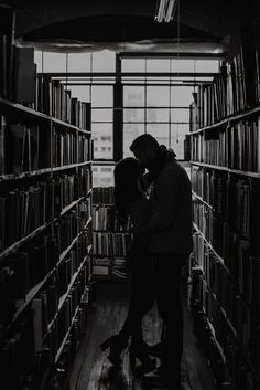 Check out today's list of 50+ dark academia aesthetic wallpaper and dark academia wallpaper options #darkacademiawallpaper #darkacademiaaestheticwallpaper Couple Aesthetic, Book Aesthetic, Aesthetic Pictures, Draco Malfoy Aesthetic, Slytherin Aesthetic, Cute Couples Goals, Couple Goals, Foto Fantasy, Photo Couple