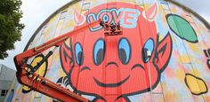"""Projet le plus spectaculaire du """"Festival street art"""", l'immense peinture illumine le centre ville d'Evry. Retour sur une œuvre..."""