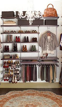 Love how organized this closet is  http://rstyle.me/n/d7h77nyg6