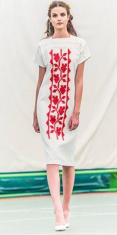 Romanian Boho by Adrian Oianu Embroidery On Clothes, Embroidery Fashion, Embroidery Dress, Folk Fashion, Ethnic Fashion, Fashion And Beauty Tips, Fashion Looks, Batik Dress, Traditional Fashion