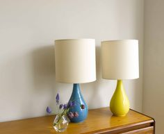 We love the shape of our Teardrop lamp and the choice of two colours that it comes in. Handmade ceramic base and lovely linen shade included.