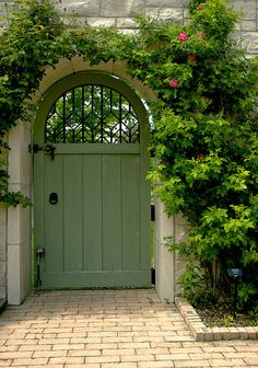 Kauffman Memorial Garden, Kansas City  I always wanted a garden door and gate this is awesome