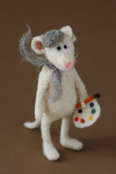 Pierre the french painter needle felted mouse by mrshedgehog Stuart Little, Needle Felted Animals, Felt Animals, Wet Felting, Needle Felting, Diy Laine, Hamster, Felt Mouse, Cute Mouse