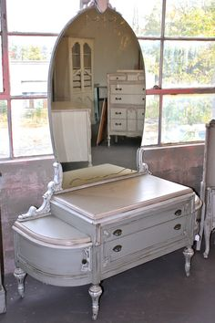 Early 1900s Ladies Vanity with Etched Glass Mirror - $1,095