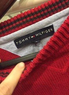 Kup mój przedmiot na #vintedpl http://www.vinted.pl/damska-odziez/swetry-z-dekoltem/16109772-czerwony-sweter-tommy-hilfiger