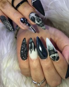 Magnificient Spooky Halloween Nail Art Designs Ideas To Try - While this is not a good way of making fair assessments, it is what happens on the ground. Therefore, it would be wise to be prepared. Bling Nails, Goth Nails, Skull Nails, Sexy Nails, Skull Nail Art, Halloween Nail Designs, Halloween Nail Art, Scary Halloween, Halloween Coffin