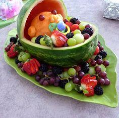 Look Inside My Closet: Berceau de fruits melon d'eau pour un shower de bébé