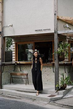 Cafe Shop Design, Coffee Shop Interior Design, Small Cafe Design, Coffee Design, Restaurant Interior Design, Store Design, Mini Cafe, Cafe Concept, Pub Decor