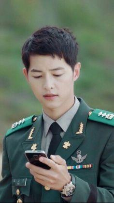 Asian Actors, Korean Actors, Song Joong Ki Dots, Descendants Of The Sun Wallpaper, Soon Joong Ki, Decendants Of The Sun, Goblin Korean Drama, Sun Song, Songsong Couple