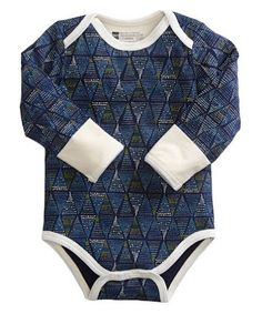 PACT Apparel Alpine Design Organic Cotton Baby Long Sleeve Onesies & Matching Pants available at Our Greentopia. Super soft and super cute, the Alpine design long sleeve onesie (or snapster as they call it) and matching pants will keep your baby warm and cozy all winter long!  The onesie and pants are sold separately.