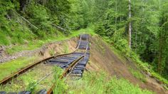 You've Never Experienced Anything Like This Epic Abandoned Railroad Hike In Oregon Hiking Places, Places To Travel, Places To See, Oregon Travel, Travel Usa, Travel Portland, Travel Info, Budget Travel, Travel Ideas