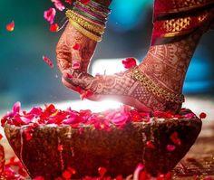 Photography of Indian Sikh bride at haldi ceremony, Punjab, India Fotografie der indischen Sikhbraut an Haldi-Zeremonie, Punjab, Indien Mehendi Photography, Indian Wedding Couple Photography, Indian Wedding Photos, Bride Photography, Wedding Images, Indian Bridal, Wedding Pictures, Photography Ideas, Dp Pictures
