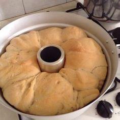 Anche se non è caldissimo, preferisco fare il pane con questo fornetto, che si mette sui fornelli, oppure con la macchina del pane, il forno lo accendo ma per fare altre cose. Questo pane è molto b...
