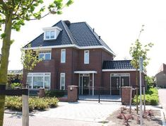 Dutch Netherlands, Holland House, Roof Colors, Simple House, Sweet Home, New Homes, Villa, Home And Garden, House Design