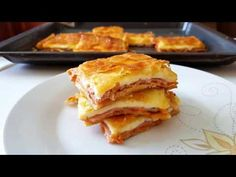 pie with ham and cheese! Cookbook Recipes, Sweets Recipes, Cooking Recipes, Desserts, Happy Foods, Ham And Cheese, Greek Recipes, Apple Pie, Lasagna