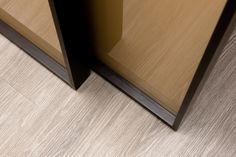Linvisibile Marea Marechiaro sliding doors designed by Giulio Cappellini, Showroom Milano . #invisibledoors #designdoors #internaldoors #interiordesign #slidingdoors