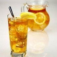 Looking for the best sun tea jar? There's nothing like a cold glass of iced tea on a hot day to quench your thirst. When you have an iced tea. Cocktail Drinks, Cocktails, National Iced Tea Day, Homemade Iced Tea, Real Homemade, Homemade Recipe, Cinnamon Health Benefits, Stevia, Peach Ice Tea