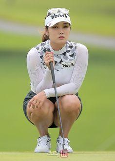 KLPGA: 2018 Jeju Samdasoo Masters | Forum Girls Golf, Ladies Golf, Golf Sexy, Beautiful Asian Girls, Beautiful Women, Girl Golf Outfit, Athletic Girls, Sporty Girls, Golf Fashion